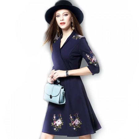 丁摩 新款欧美时尚刺绣连衣裙·藏蓝